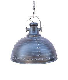 Robuust & industrieel, zo kan deze stoere hanglamp het beste omschreven worden. Hanglamp London heeft een geleefde maar tevens unieke uitstraling.