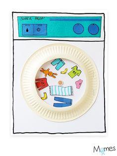 Momes vous présente Super Prop' ! La machine à laver qui tourne pour de vrai, pour faire semblant de laver chaussettes, pulls, pantalons, culottes et doudous ! Découpage, collage et dessin sont au rendez-vous de cette petite activité amusante avec laquelle les enfants vont pouvoir s'amuser à mettre les vêtements dans la machine et la faire tourner. La lessive n'est plus une corvée !