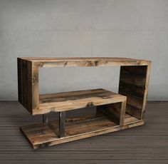 Reclaimed Wood Bench / Coffee Table choose your size Rustic Tv Console, Wood Table Rustic, Reclaimed Wood Media Console, Console Tv, Wooden Bar, Coffee Table Bench, Rustic Coffee Tables, Table En Bois Diy, Muebles Living