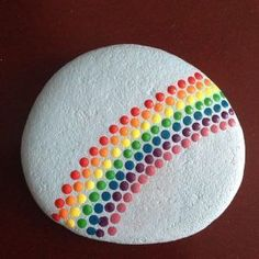 45 Awesome Painted Rocks - Steine bemalen - Painting Tips Pebble Painting, Dot Painting, Pebble Art, Stone Painting, Painting With Dots, Rainbow Painting, Garden Painting, Mandala Painting, Painting Flowers