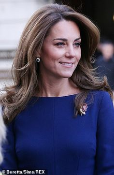 Kate Middleton teams Princess Diana's earrings with a dress Kate, paired Princess Diana's dazzling diamond and sapphire earrings with a cobalt blue dress to attend the launch of the National Emergencies Trust this morning. Kate Middleton Hair, Princess Kate Middleton, Kate Middleton Photos, The Duchess, Duchess Of Cambridge, Catherine The Great, Elisabeth Ii, Prince William And Kate, William Kate