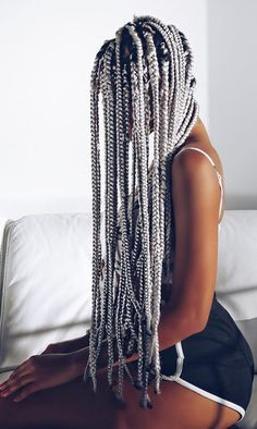 olaj_arel / grey braids