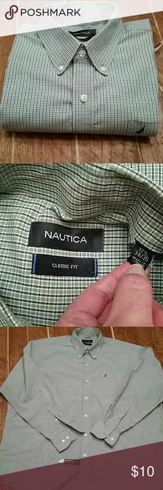 ♡ MEN's Nautica Long Sleeve button down 17 1/2 CLASSIC Fit, 17 1/2, 34/35 sleeve Soft green, navy blue, and white stripe 100% cotton  EXCELLENT condition. Looks great- no stains, holes, tears, rips. Has pocket at left breath, button collars, tailored at shirt tail, and extra buttons. Nautica Shirts Casual Button Down Shirts