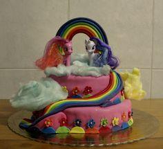 """Cake Design By Serras -""""My Little Pony Cake""""   Massa de Bolo Arco-Iris Recheio de Pêssego e de  lima/limão Recurso a Algodão doce de variadas cores.    http://cakesdesignbyserras.blogspot.com/2015/02/my-little-pony-cake.html"""