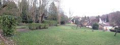 Sur ce Terrain de 1735 M² bâtissez votre Demeure de Rêve de plus de 520 M² ! Terrain Constructible, Sidewalk, Plants, Flora, Plant, Pavement, Curb Appeal