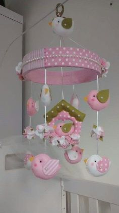 Diy baby girl nursery ideas cribs 19 Ideas for 2019 Baby Girl Nursery Decor, Girl Decor, Baby Room Decor, Nursery Ideas, Baby Crafts, Felt Crafts, Diy And Crafts, Baby Ornaments, Felt Garland