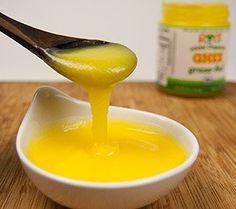 Geklaarde boter (waaronder ghee) is boter waarbij de eiwitten, zouten en (een groot gedeelte van het) vocht zijn verwijderd door verwarming.