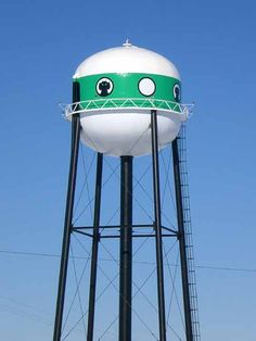 Muahaha, the alien dog water tower (it's just an alien, but to me it was always a dog) Ogallala