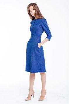 Bürokleid mit Ärmeln, Länge über die Knie, Farbe blau