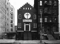 Petra Wunderlich, religious buildings, New York City: iglesia pentacostal