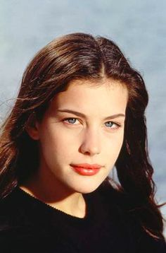 Adriana Lima on Eating Healthy While Traveling and Wearing Makeup at the Gym - Celebrities Female Liv Tyler Hair, Liv Tyler 90s, Arwen, Steven Tyler Daughter, Tyler Young, Elfa, Adriana Lima, Actors & Actresses, Hollywood Actresses