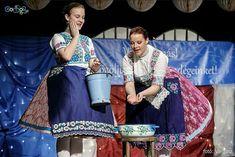 Fotó: Szűcs Orsi - Instagram: orsiszucs Folk Costume, Costumes, Hungary, Popular, Kimono Top, Traditional, Instagram, Tops, Women