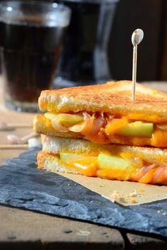 Caramelized Onion and Green Apple Grilled Cheese is a delicious option for breakfast or snacks. Learn a few tips and trick to make perfect Caramelized Onion and Green Apple Grilled Cheese