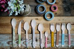 Decora tus cubiertos de madera - All Lovely Party Tableware, Diy, Ideas, Cutlery, Wood, Dinnerware, Bricolage, Dishes, Thoughts