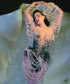 Dita Von Teese Burlesque, Dita Von Teese Style, Dita Von Teese Lingerie, Manado, Dita Von Tease, Burlesque Costumes, Showgirls, Pin Up Style, Pin Up Girls