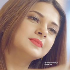 Jennifer's famous look😍 Indian Celebrities, Bollywood Celebrities, Bollywood Actress, Best Couple Pictures, Jennifer Winget Beyhadh, Deepika Padukone, Stylish Girl, Indian Beauty, Beauty Women