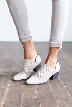 Show Me Off Heel