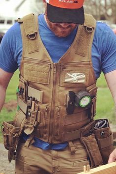 The AIMS™ Saratoga Vest is redefining breathable Tool Apron, Bushcraft Kit, Leather Suspenders, Milwaukee Tools, Chest Rig, Tools Hardware, Tool Belt, Mens Gear, Work Tools