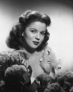 Shirley Temple as a Teenager | ... Last Bow. The Life of Shirley Temple Black As Told Through 85 Photos