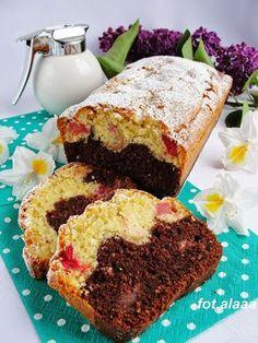 Ala piecze i gotuje: Ciasto ucierane z rabarbarem i truskawkami
