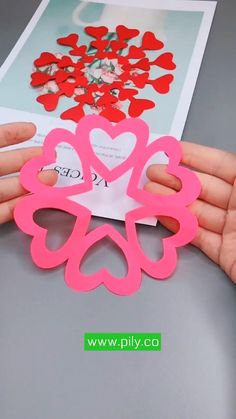 Cool Paper Crafts, Paper Crafts Origami, Origami Paper, Easy Origami, Diy Crafts Hacks, Diy Crafts For Gifts, Valentine Day Crafts, Holiday Crafts, Valentine Decorations