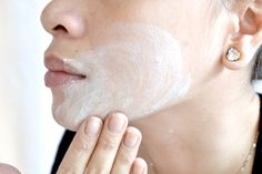 Gently-Bleach-Your-Skin-Naturally