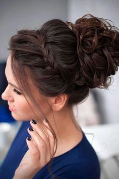 Messy bun with accent braid simple elegant hairstyles, pretty hairstyles, wedding hairstyles, braided Curly Homecoming Hairstyles, Bridesmaids Hairstyles, Hair For Bridesmaids, Bridesmaid Hair Brunette, Bridesmaid Hair Updo Braid, Graduation Hairstyles, Quinceanera Hairstyles, Brides Maid Hair, Simple Bridesmaid Hair