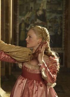 Holliday Grainger as Lucrezia Borgia in The Borgias (2012).