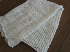 Ravelry: b14-22 Blanket with Lacy Pattern pattern by DROPS design