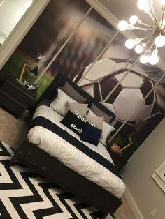 Habitaciones para niños decoradas con tema de futbol http://comoorganizarlacasa.com/habitaciones-ninos-decoradas-tema-futbol/ #comodecorarunahabitacioninfantil #decoracion #Decoraciondeinteriores #Habitacionesinfantiles #Habitacionesparaniñosdecoradascontemadefutbol #IdeasdeDecoracion #TipsdeDecoracion