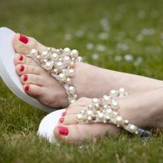 Create your own DIY Beaded Flip Flops with step by step tutorial and photos.