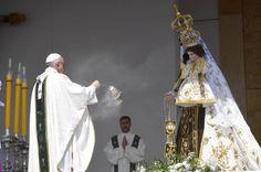 El papa Francisco celebra una misa multitudinaria en el parque O'Higgins de Santiago (Chile).