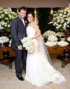 Samantha Fasolari e Pedro Silveira já se conheciam através de um amigo em comum, mas foi só na antiga boate dele (a Heaven), em São Paulo, que eles se reen