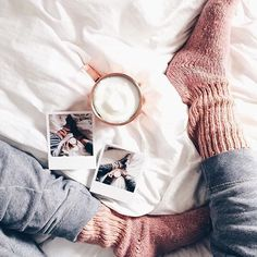Polapix & Chill Starting the day right - coffe in a copper mug and Polapix ☀️ #mondaymotivation #polapix #copper