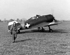 "MÁVAG Héja (""Hawk"") was a Hungarian fighter aircraft based on the Italian Reggiane around 200 built Ww2 Aircraft, Fighter Aircraft, Military Aircraft, Fighter Jets, Italian Air Force, Defence Force, Nose Art, Luftwaffe, World War Two"