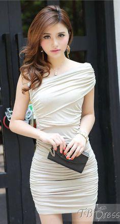 Women Bodycon Dress // So simple,but so elegant and beautiful ! http://www.tbdress.com/product/Chic-Slim-Slanting-Bodycon-Dress-10453516.html