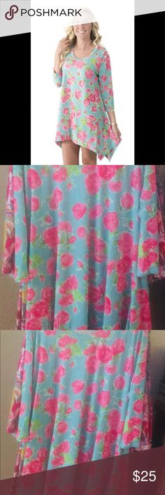 """cfda9787fe8 NWT🌸SIMPLY SOUTHERN """"ROSES"""" TUNIC, size XL🌸 BEAUTIFUL turquoise blue with  pink roses, great for early Spring🌸 3/4 sleeves and asymmetrical hem Simply  ..."""