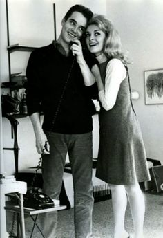 Sharon Tate with then boyfriend, Philippe Forquet, 1964 Sharon Tate, Hollywood Actresses, In Hollywood, Actors & Actresses, Famous Murders, Pose Reference Photo, Charles Manson, Roman Polanski, Shopping