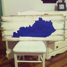 UK Wildcats sign, Kentucky Sign, University of Kentucky Pallet sign by LifeontheHomestead on Etsy https://www.etsy.com/listing/186766292/uk-wildcats-sign-kentucky-sign