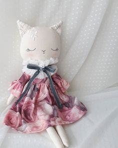 Miss Kitty 🐺 Maybe because I love cats so much, she is my favourite! 💖💖💖 Tomorrow evening in my shop. Miss Kitty, Fabric Animals, Fabric Toys, Cat Doll, Sewing Dolls, Doll Crafts, Stuffed Toys Patterns, Toys For Girls, Handmade Toys
