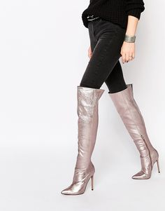 Over-the-knee boots just met the 80s – yesss!