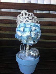 Idea for Cinderella themed centerpieces. Cinderella Baby Shower, Cinderella Sweet 16, Cinderella Theme, Cinderella Birthday, Princess Birthday, Disney Sweet 16, Ribbon Topiary, Topiary Centerpieces, Wedding Centrepieces
