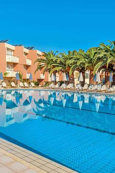 Relaxing moments by the pool in one of our lovely holiday Villas, Apartments or Hotels in Crete! Olympic Size Pool, Crete Holiday, Half Board, Vegas Vacation, Relax, Hotel Motel, Next Holiday, Beautiful Hotels, Beach Hotels