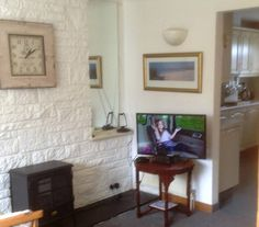 House in Invergordon, United Kingdom. Semidetached 2 bedroom house on the Cromarty Firth  situated close to local amenities and a short walk to the nearest pub. Fully equipped kitchen, 2 double bedrooms, 2 toilets/ shower rooms, large bath, free wifi , small private garden, fab views....