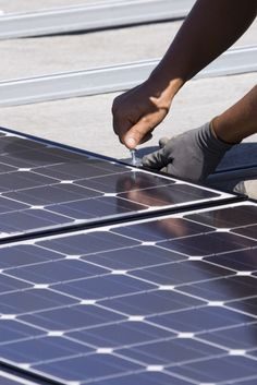 How Do Photovoltaic Cells Actually Work?