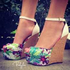 Tropical floral wedges to match the #PANDORA floral ring and earrings! #Summer #PANDORAsummercontest