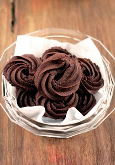 If you think that chocolate is healthy, then you will be mor Italian Cookies, Italian Desserts, Italian Recipes, Biscotti Cookies, Galletas Cookies, Biscotti Recipe, Vegan Chocolate, Chocolate Desserts, Baking Recipes