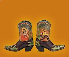 Love these senor y senorita boots with cactus trim!