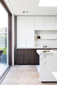 10 Inspiring Modern Kitchen Designs – My Life Spot Kitchen And Bath Design, Kitchen Cabinet Design, Modern Kitchen Design, Kitchen Layout, Interior Design Kitchen, Loft Kitchen, Kitchen Showroom, Apartment Kitchen, Diy Kitchen