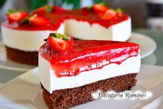 Tort-cu-iaurt-si-capsuni-g2 Cheesecake, Desserts, Hip Bones, Tailgate Desserts, Deserts, Cheesecakes, Postres, Dessert, Cherry Cheesecake Shooters